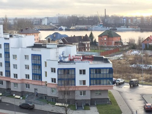2-комнатная квартира (55м2) на продажу по адресу Свердлова пгт., 1-й мкр., 15— фото 1 из 3