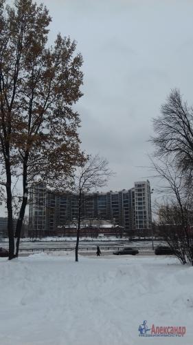 2-комнатная квартира (65м2) на продажу по адресу Октябрьская наб., 90— фото 3 из 5