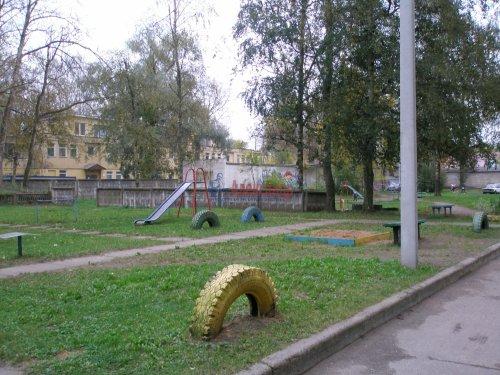 1-комнатная квартира (34м2) на продажу по адресу Кировск г., Пионерская ул., 3— фото 3 из 15