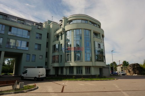 1-комнатная квартира (39м2) на продажу по адресу Пушкин г., Ленинградская ул., 46— фото 2 из 5