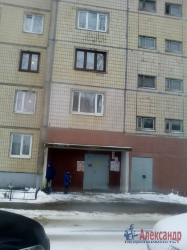 2-комнатная квартира (48м2) на продажу по адресу Металлострой пос., Полевая ул., 5— фото 2 из 14