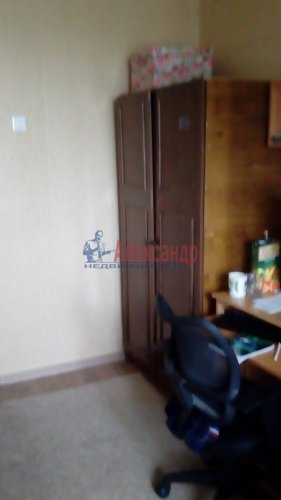 Комната в 2-комнатной квартире (46м2) на продажу по адресу Кировск г., Набережная ул., 11— фото 2 из 7