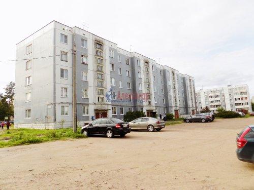 2-комнатная квартира (53м2) на продажу по адресу Выборг г., Макарова ул., 5— фото 1 из 13