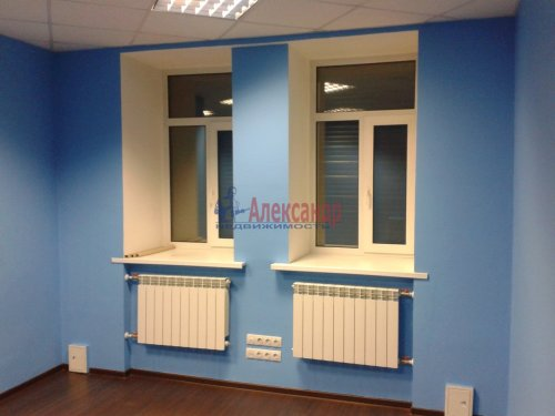 2-комнатная квартира (65м2) на продажу по адресу Невский пр., 97— фото 4 из 9
