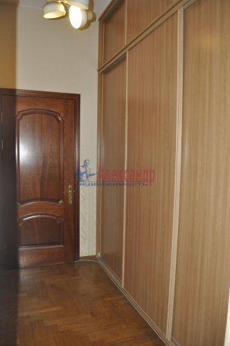 5-комнатная квартира (102м2) на продажу по адресу 4 Советская ул., 13— фото 7 из 10