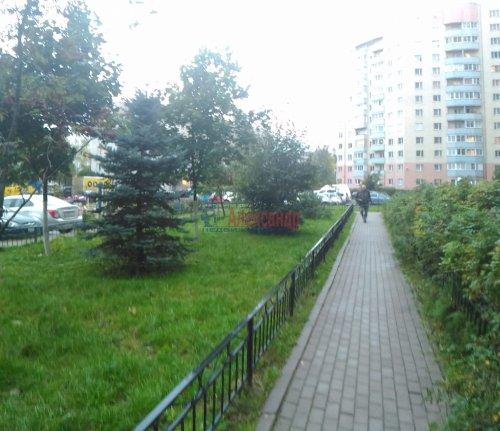 1-комнатная квартира (37м2) на продажу по адресу Мурино пос., Оборонная ул., 2— фото 4 из 23