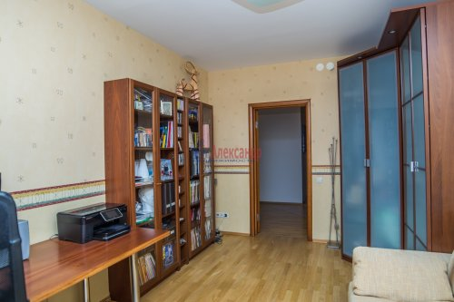 3-комнатная квартира (145м2) на продажу по адресу Коломяжский пр., 20— фото 31 из 33