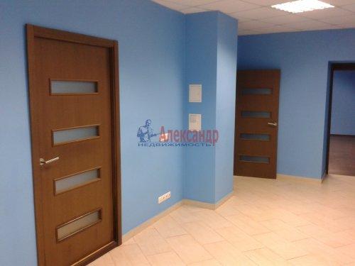 2-комнатная квартира (65м2) на продажу по адресу Невский пр., 97— фото 2 из 9