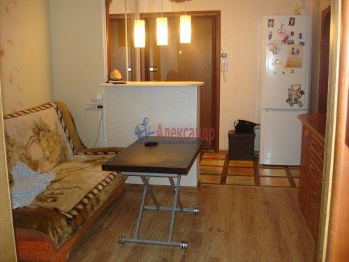 2-комнатная квартира (42м2) на продажу по адресу Оптиков ул., 52— фото 3 из 4