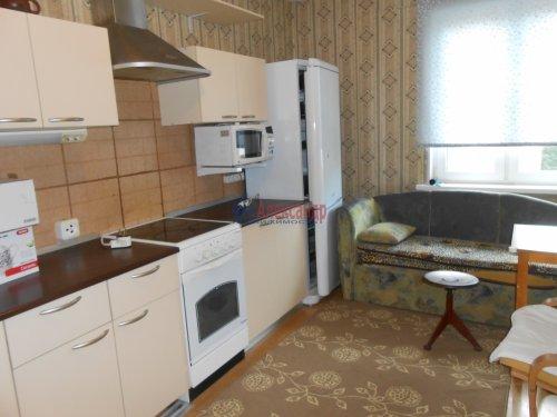 1-комнатная квартира (41м2) на продажу по адресу Композиторов ул., 31— фото 2 из 10