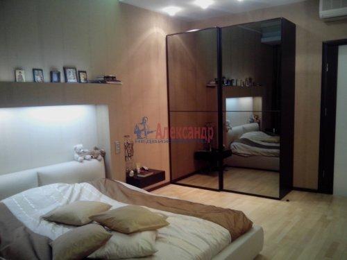 4-комнатная квартира (167м2) на продажу по адресу Малоохтинский пр., 16— фото 9 из 10
