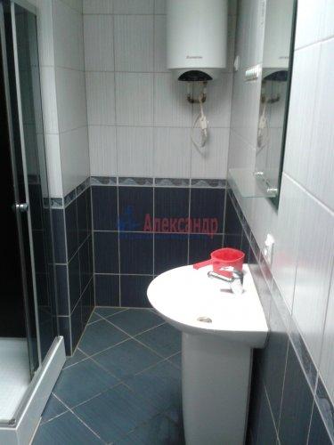 2-комнатная квартира (65м2) на продажу по адресу Невский пр., 97— фото 5 из 9