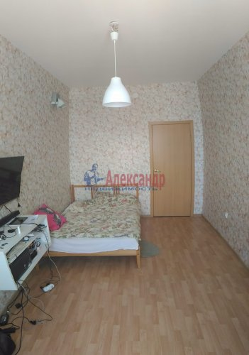 1-комнатная квартира (38м2) на продажу по адресу Мурино пос., Шоссе в Лаврики ул., 83— фото 5 из 14