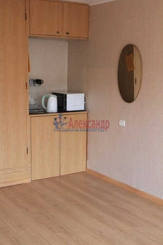 Комната в 8-комнатной квартире (114м2) на продажу по адресу Серебристый бул., 13— фото 4 из 11