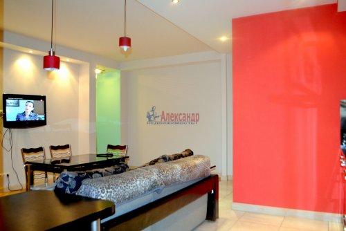 3-комнатная квартира (80м2) на продажу по адресу Комендантский пр., 53— фото 1 из 18
