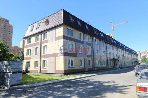 1-комнатная квартира (32м2) на продажу по адресу Мурино пос., Боровая ул., 16— фото 1 из 16