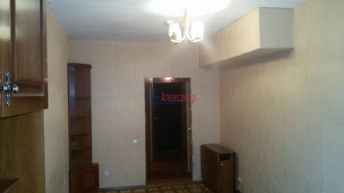 1-комнатная квартира (38м2) на продажу по адресу Брянцева ул., 15— фото 4 из 13