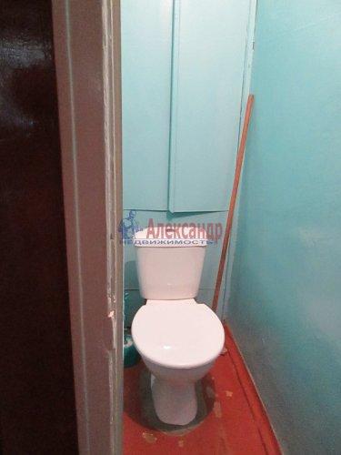 2-комнатная квартира (48м2) на продажу по адресу Кириши г., Мира ул., 4— фото 7 из 8