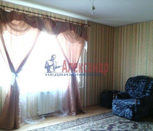 2-комнатная квартира (59м2) на продажу по адресу Кирпичный Завод пос.— фото 1 из 11