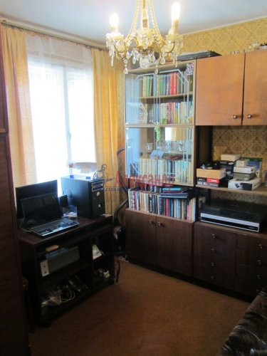 5-комнатная квартира (71м2) на продажу по адресу Бухарестская ул., 78— фото 9 из 16