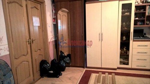 1-комнатная квартира (50м2) на продажу по адресу 10 линия В.О., 43— фото 2 из 15