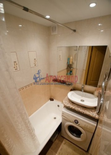 3-комнатная квартира (52м2) на продажу по адресу Науки пр., 12— фото 1 из 12
