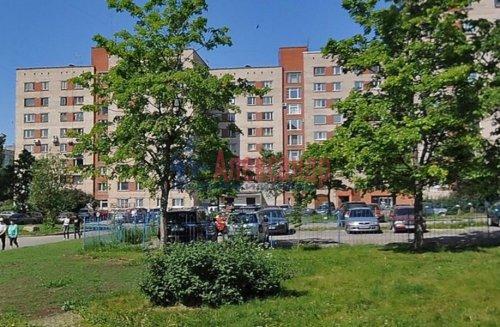 Комната в 8-комнатной квартире (179м2) на продажу по адресу Руднева ул., 4— фото 2 из 3