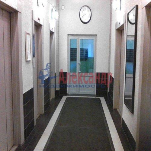 2-комнатная квартира (72м2) на продажу по адресу Наставников пр., 34— фото 2 из 10