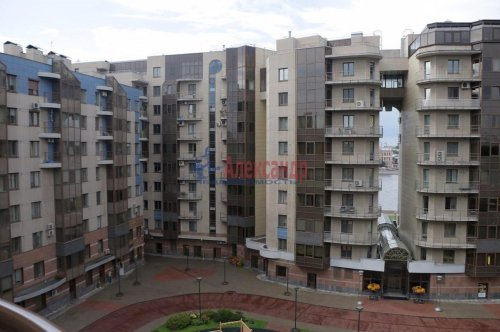 3-комнатная квартира (139м2) на продажу по адресу Воскресенская наб., 4— фото 1 из 11