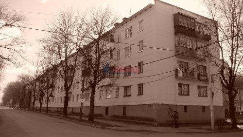 1-комнатная квартира (31м2) на продажу по адресу Гатчина г., Достоевского ул., 5— фото 1 из 8