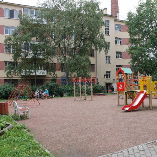 Комната в 20-комнатной квартире (588м2) на продажу по адресу Бумажная ул., 20— фото 2 из 7