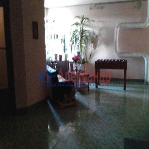 2-комнатная квартира (72м2) на продажу по адресу Наставников пр., 34— фото 3 из 10
