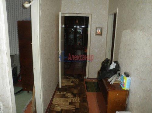3-комнатная квартира (60м2) на продажу по адресу Сосновый Бор пос., 2— фото 6 из 7