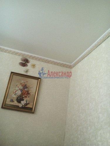 Комната в 3-комнатной квартире (76м2) на продажу по адресу Ломоносов г., Михайловская ул., 24— фото 5 из 15