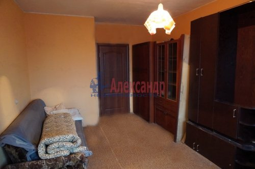 2-комнатная квартира (55м2) на продажу по адресу Ильюшина ул., 1— фото 2 из 9