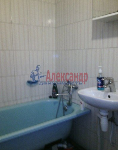 2-комнатная квартира (59м2) на продажу по адресу Кирпичный Завод пос.— фото 11 из 11