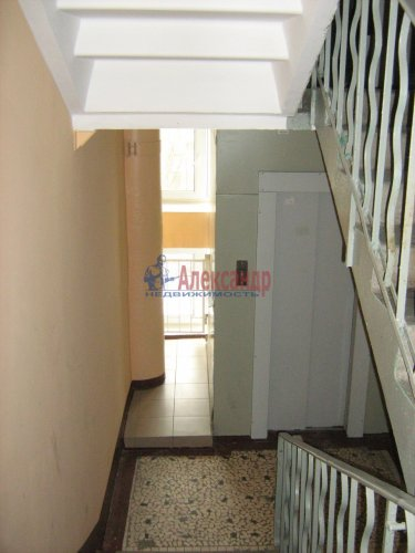 2-комнатная квартира (50м2) на продажу по адресу Светлановский просп., 62— фото 5 из 22