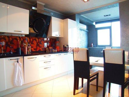 1-комнатная квартира (128м2) на продажу по адресу Приморский пр., 137— фото 4 из 19