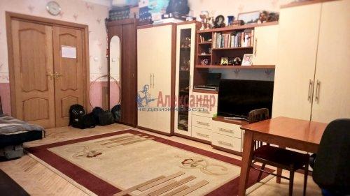1-комнатная квартира (50м2) на продажу по адресу 10 линия В.О., 43— фото 3 из 15