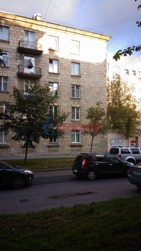 Комната в 3-комнатной квартире (89м2) на продажу по адресу Севастьянова ул., 1— фото 1 из 3