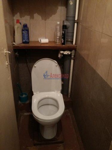 2 комнаты в 16-комнатной квартире (380м2) на продажу по адресу Красное Село г., Гвардейская ул., 25— фото 6 из 9