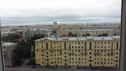 Комната в 12-комнатной квартире (200м2) на продажу по адресу Маршала Говорова ул., 8— фото 7 из 8