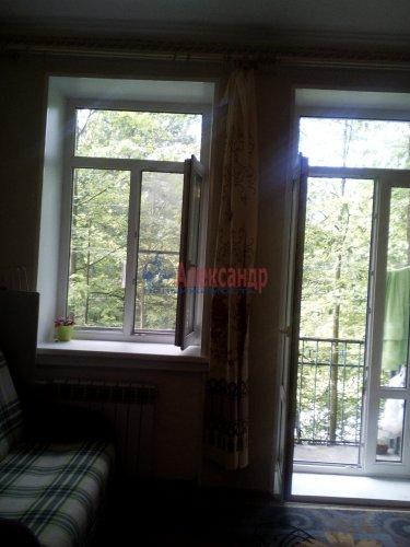 Комната в 3-комнатной квартире (76м2) на продажу по адресу Ломоносов г., Михайловская ул., 24— фото 7 из 15