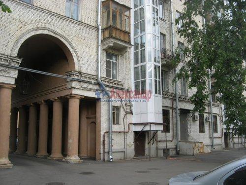 Комната в 3-комнатной квартире (65м2) на продажу по адресу Большой Сампсониевский пр., 74— фото 2 из 10