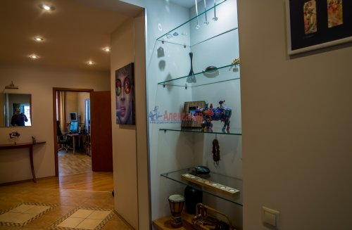 3-комнатная квартира (145м2) на продажу по адресу Коломяжский пр., 20— фото 11 из 33