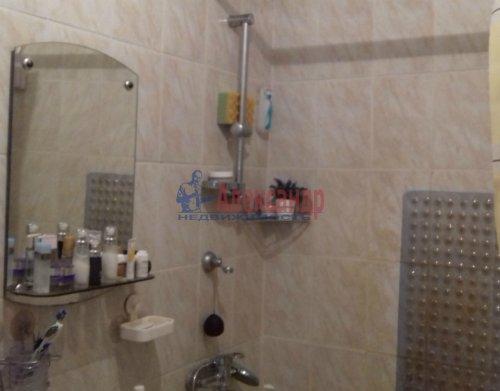 2-комнатная квартира (61м2) на продажу по адресу Коммунар г., Гатчинская ул., 6— фото 3 из 3