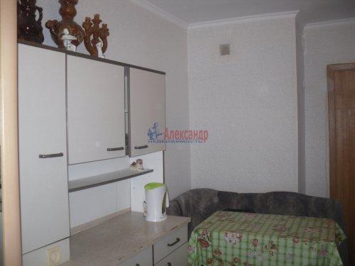 Комната в 6-комнатной квартире (105м2) на продажу по адресу Есенина ул., 22— фото 2 из 6