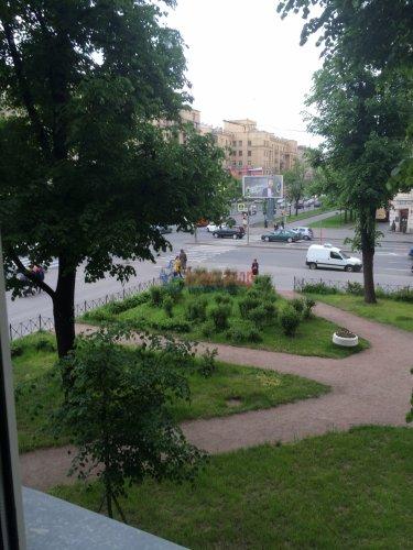 2-комнатная квартира (57м2) на продажу по адресу Стачек пр., 67— фото 2 из 9
