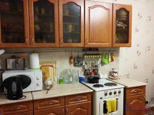 Комната в 16-комнатной квартире (380м2) на продажу по адресу Красное Село г., Гвардейская ул., 25— фото 5 из 9