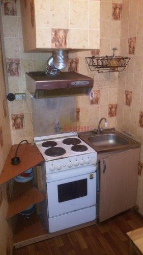 1-комнатная квартира (38м2) на продажу по адресу Брянцева ул., 15— фото 5 из 13